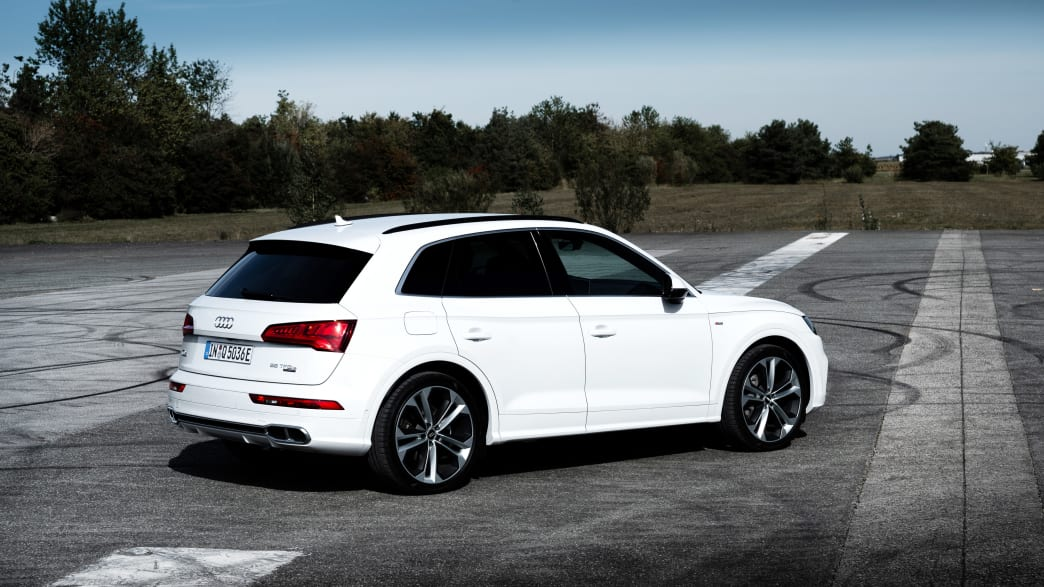 Audi SQ5 TFSI stehend von der Seite