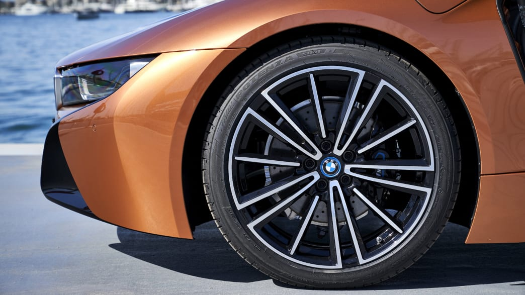 Detail Felge des BMW i8 Roadster