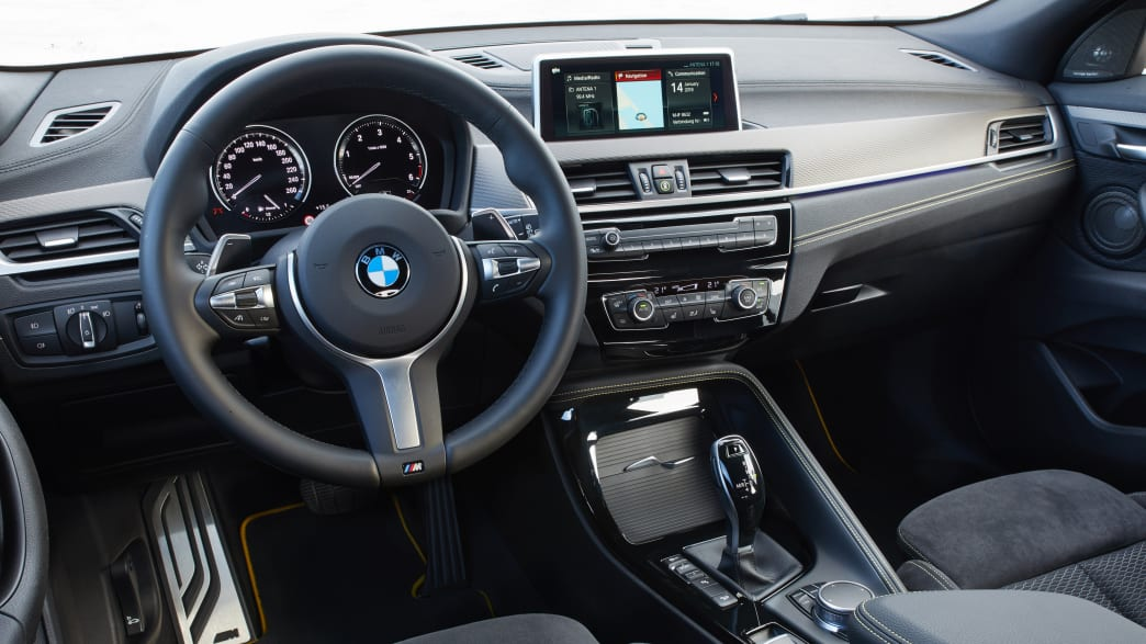 Cockpit eines BMW X2