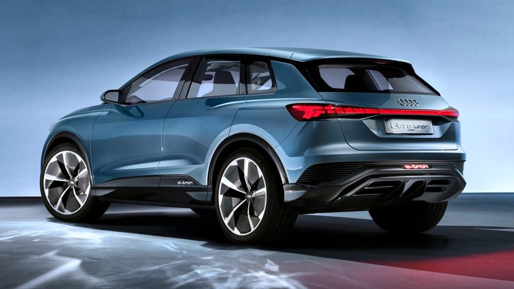 Heckansicht des Audi Q4 e-tron
