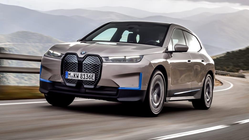 Seitenansicht des BMW iX