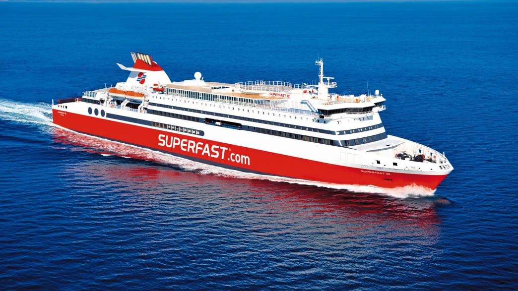 """eine Schiff der """"Superfast Ferries"""""""