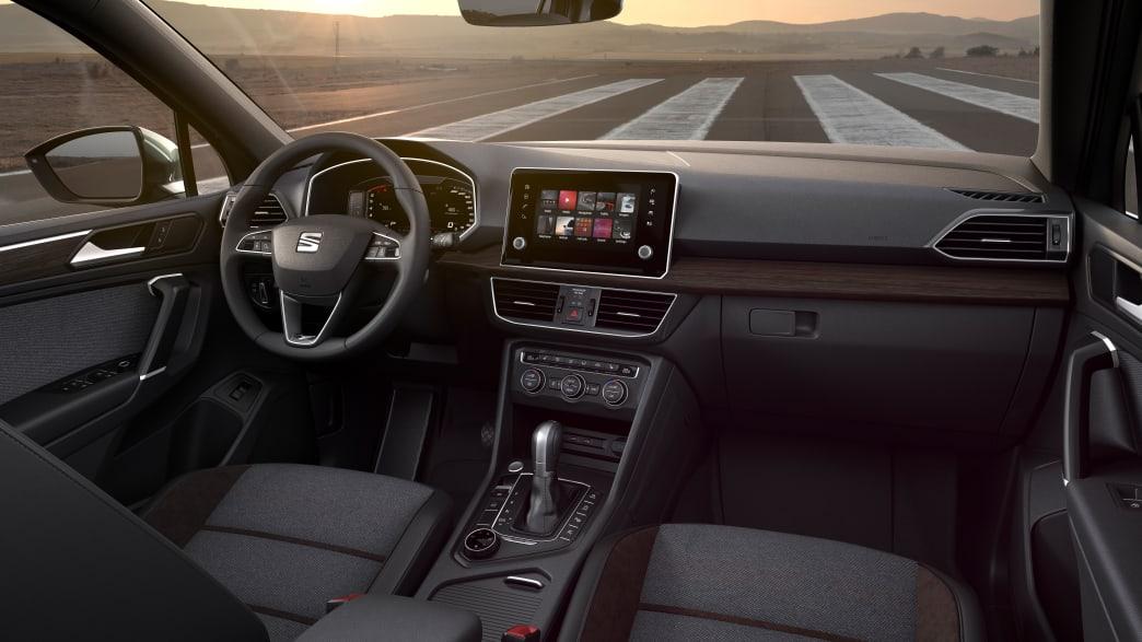 Cockpit eines grauen Seat Tarraco