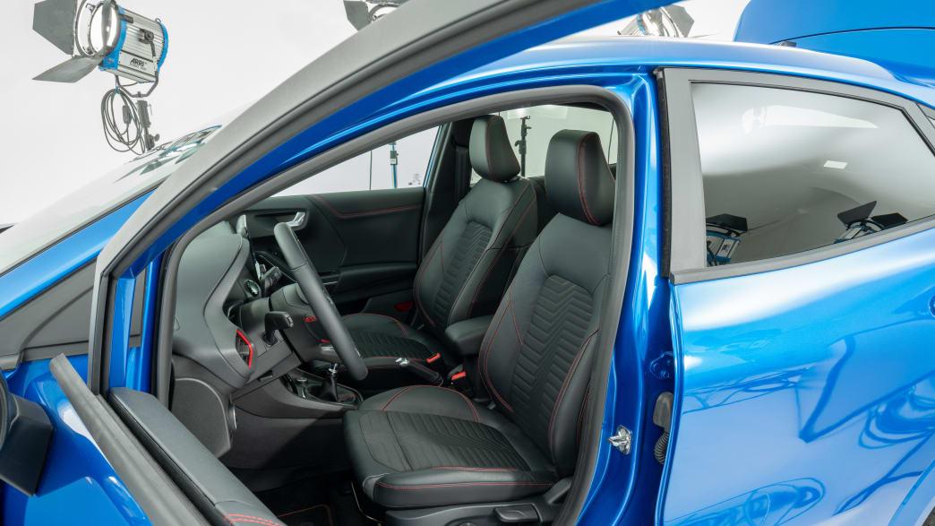 Ford Puma Vordersitze