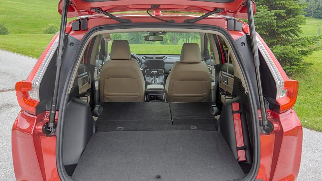 Kofferraum eines roten Honda CR-V