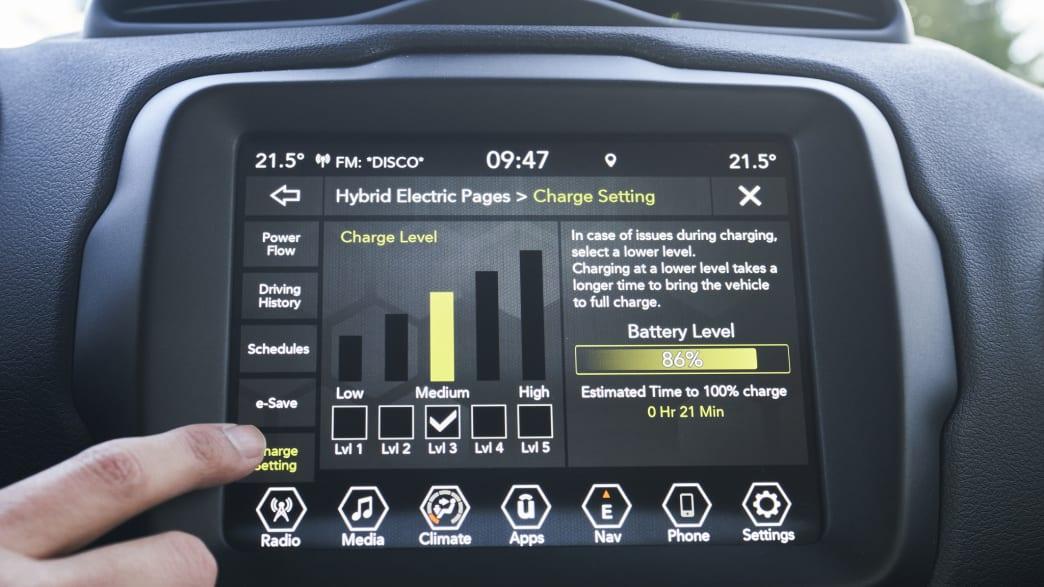 Digitale Anzeige vom Jeep Renegade Plug-in Hybrid