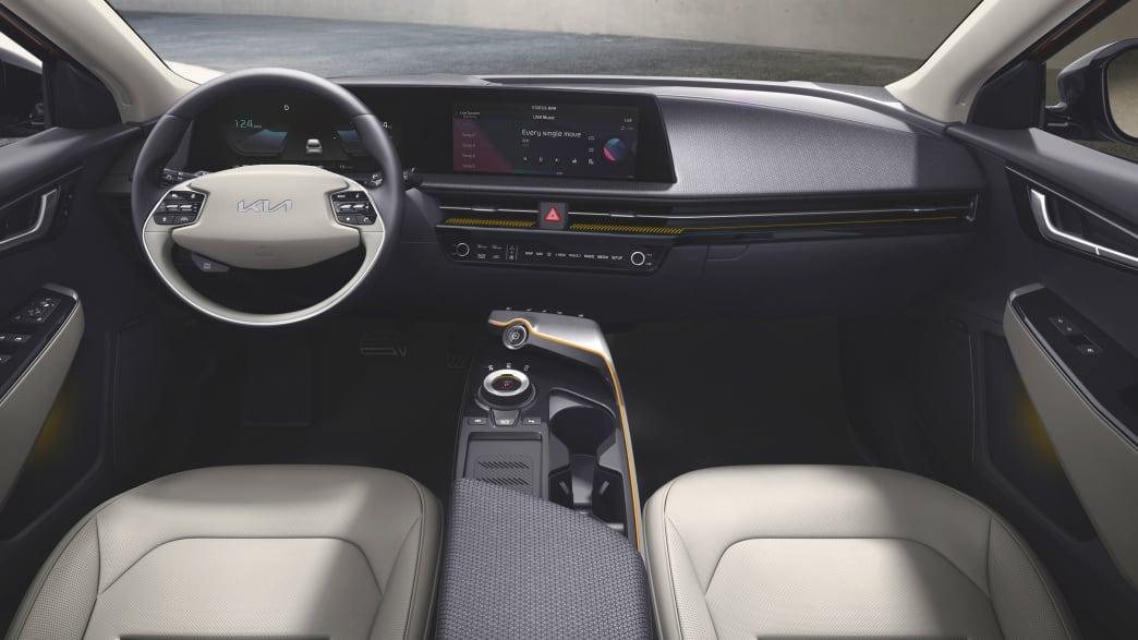 Cockpit eines Kia EV6