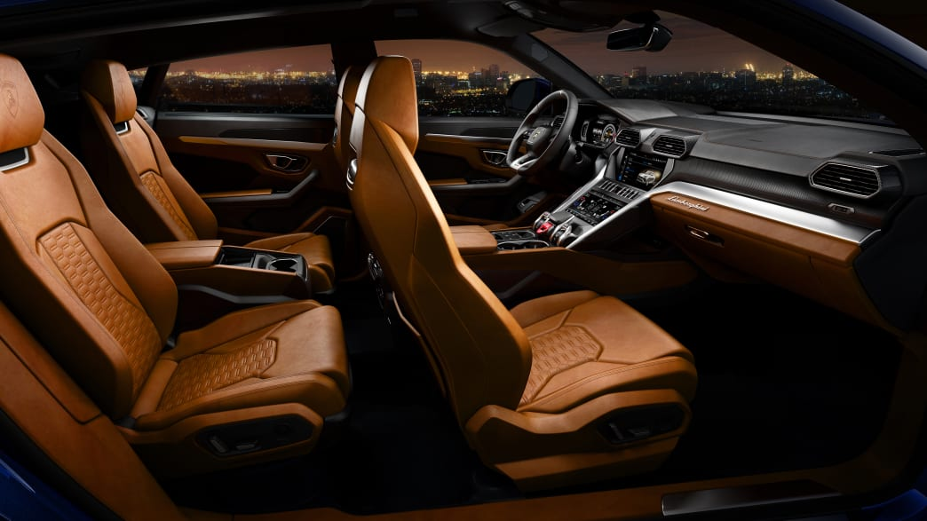 Die Rück- und Vorderbank eines Lamborghini Urus
