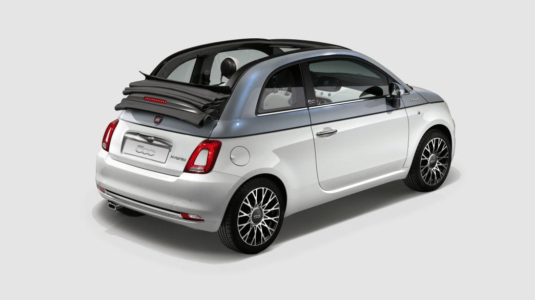 Heck- und Seitenansicht eines Fiat 500 Cabrio