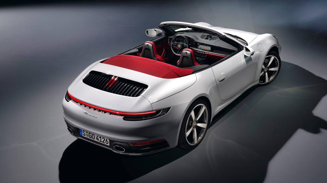 Heckansicht eines Porsche 911 Cabrio