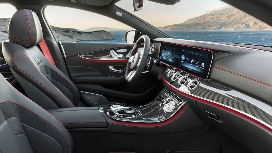 Blick ins Cockpit des Mercedes CLS