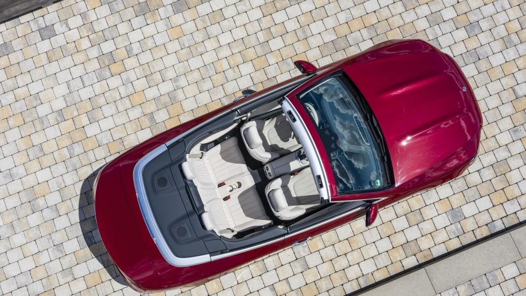 Vogelperspektive auf Mercedes E-Klasse Cabrio
