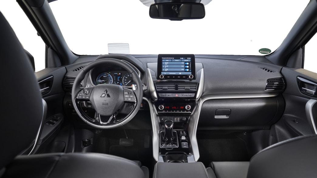 Das Cockpit des Plug in Hybrids von Mitsubishi Eclipse Cross