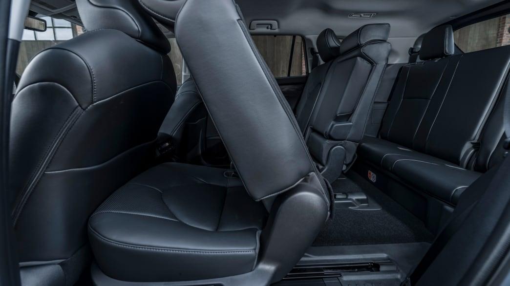 Umgeklappte Sitze des neuen SUV Toyota Highlander von 2021