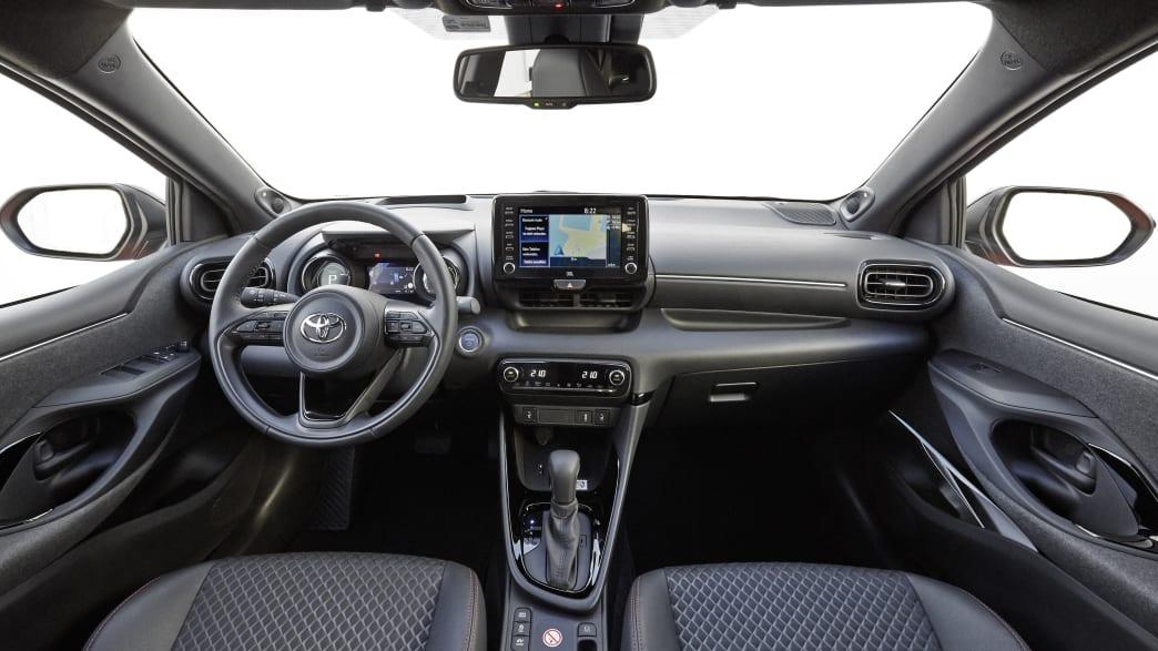 Cockpit des Toyota Yaris