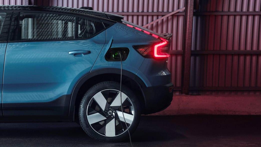 Heck und Rücklicht des Volvo C40 Recharge