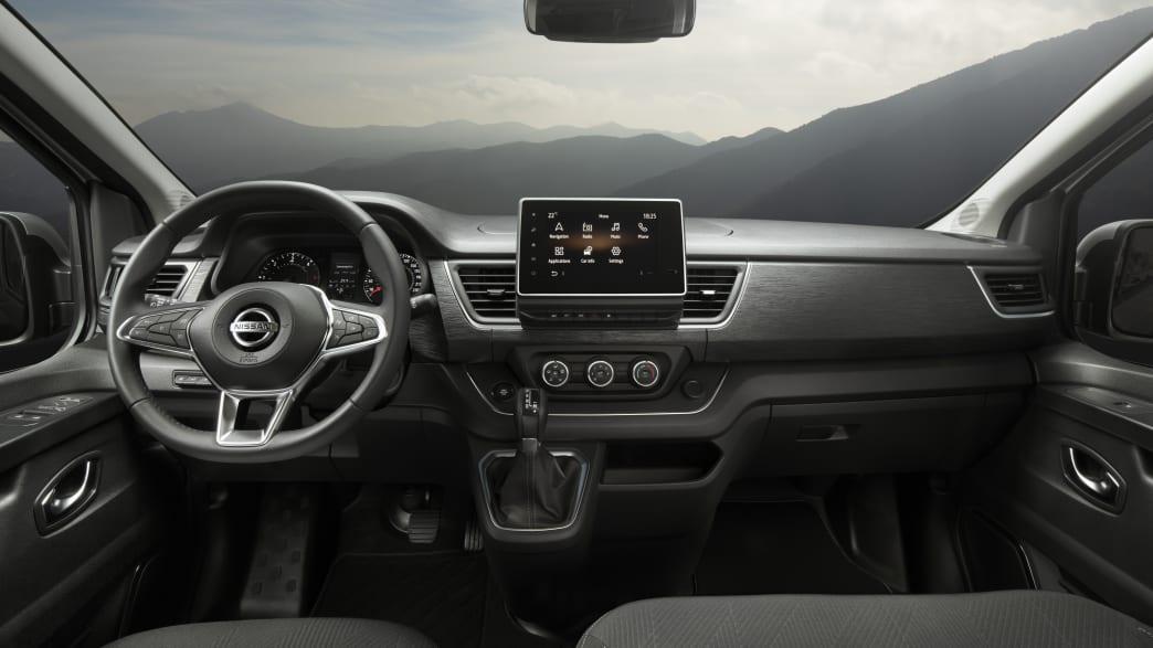 Das Cockpit vom Nissan NW 300,