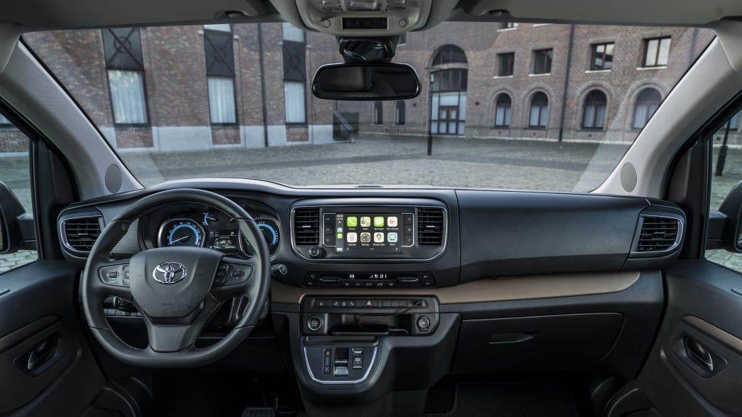 Cockpit des Toyota Proace Verso