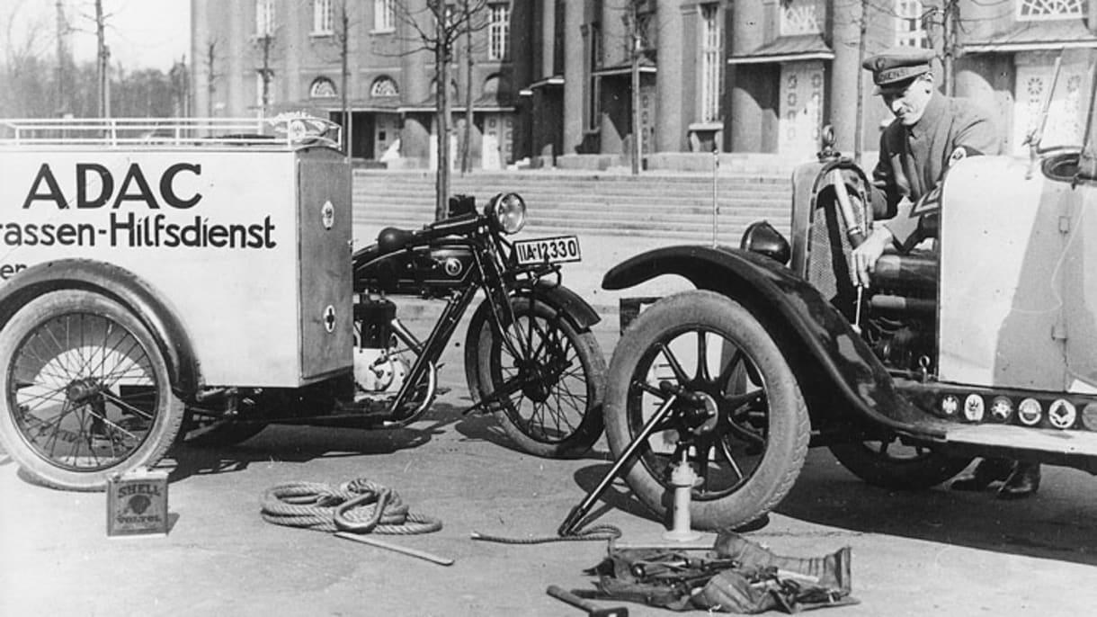 ADAC-Straßenhilfsdienst mit Motorrad-Beiwagen-Maschinen 1928