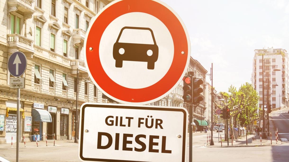Ein Schild weisst auf ein Dieselfahrverbot hin