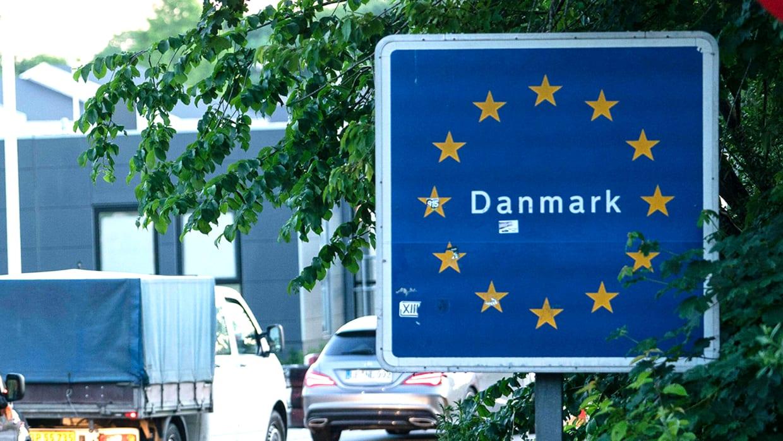 Autoschlange an der Grenze zu Dänemark