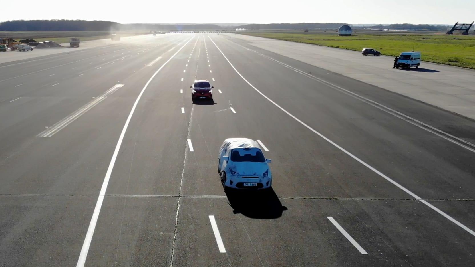 Renault Clio beim EuroNCAP Automated Driving Test