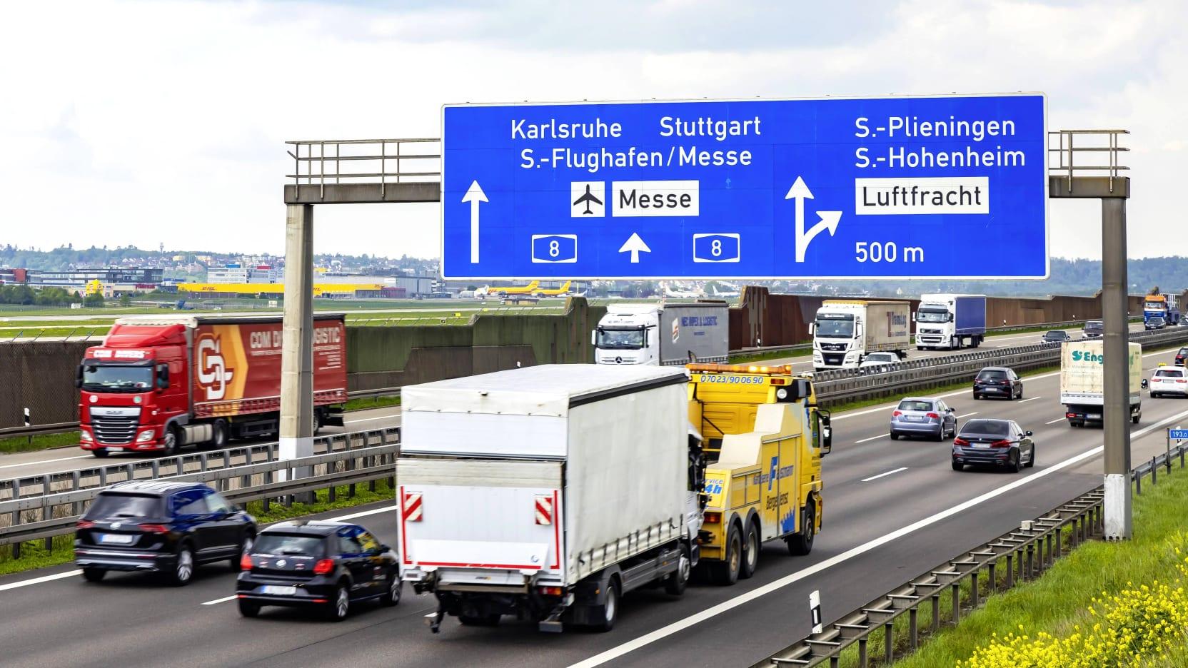 Stau auf der A8 bei Stuttgart