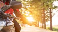 Motorrad im Sonnenuntergang