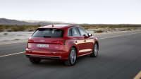 Audi Q5 fahrend auf der Straße