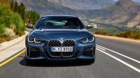 Front des BMW 4er Coupe fahrend