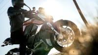Motorrad Zero SRF fahrend