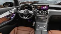 Cockpit eines Mercedes GLC