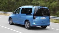 VW Caddy aschräg seitlich fahrend abgebildet