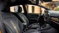 Cockpit eines Ford Fiesta Active