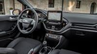 Cockpit des Ford Fiesta Titanium Ruby Red