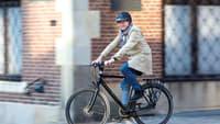 Münsters Oberbürgermeister Markus Lewe auf dem Fahrrad
