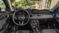 Das Cockpit vom Mazda CX 3 Modelljahr 2021