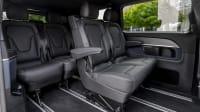 Geräumiger Innenraum mit vielen Sitzen in der Mercedes V-Klasse