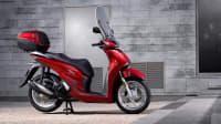 Seitenansicht der Honda SH15i stehend