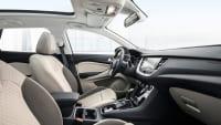 Cockpit eines Opel Grandland X