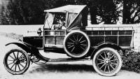 Einer der ersten Pickups war der historische Ford Model T 1917 in Amerika