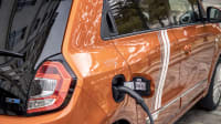 der Renault Twingo Electric beim Laden