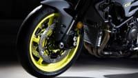 Vorderreifen und Gabel einer Yamaha MT-10 Hyper Naked