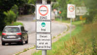 Straßenschild Umweltzone mit Diesel frei ab Euro 6