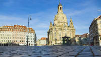 Menschenleerer Neumarkt in Dresden während des zweiten Lockdown