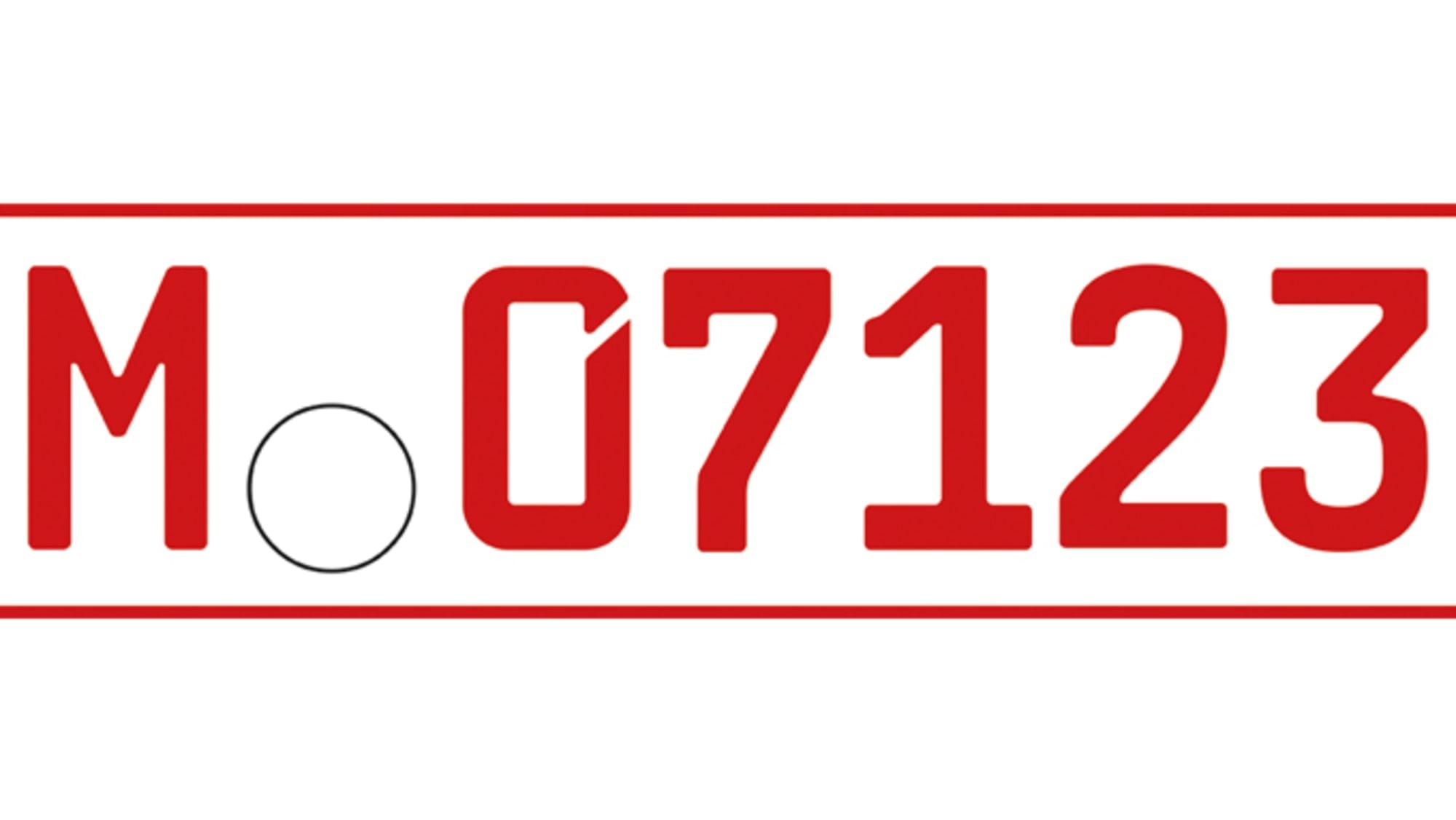 ein rotes Wechselkennzeichen 07 für Oldtimer