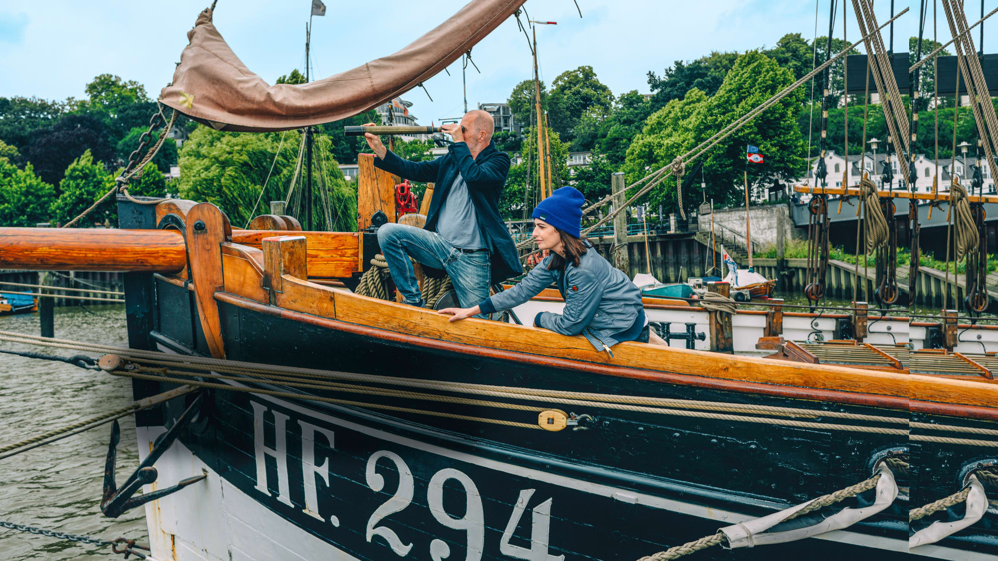 Linda Zervakis und Peter Lohmeyer auf dem Hochseekutter Präsident Freiherr von Maltzahn HF.294 im Museumshafen Oevelgönne