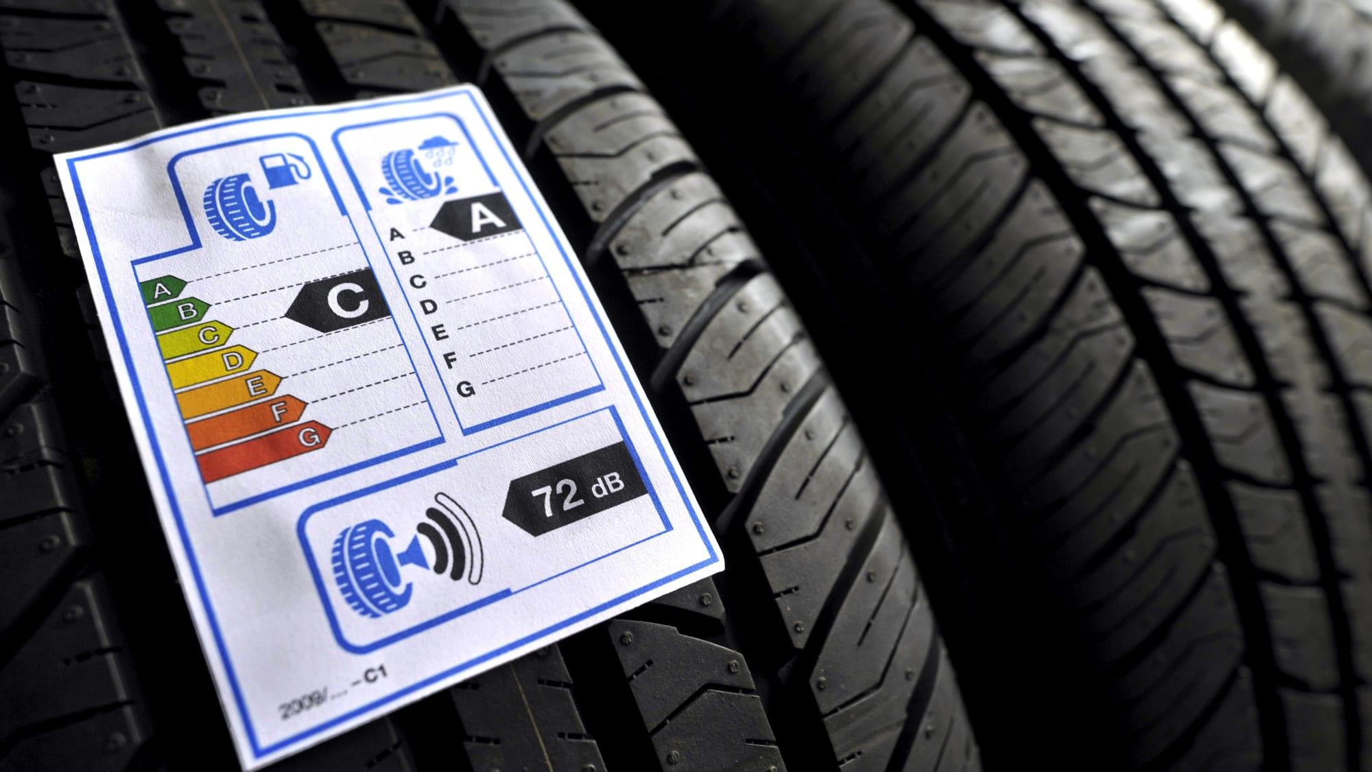 Reifenlabel auf Reifen