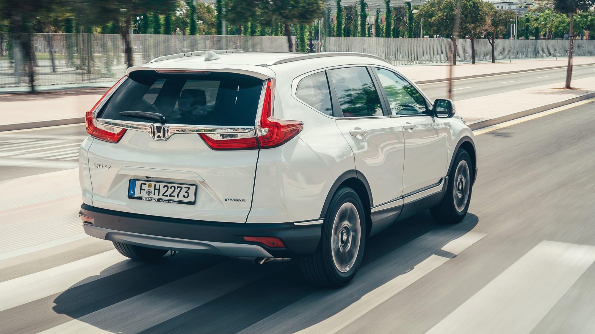 Heck des Honda CR-V fahrend