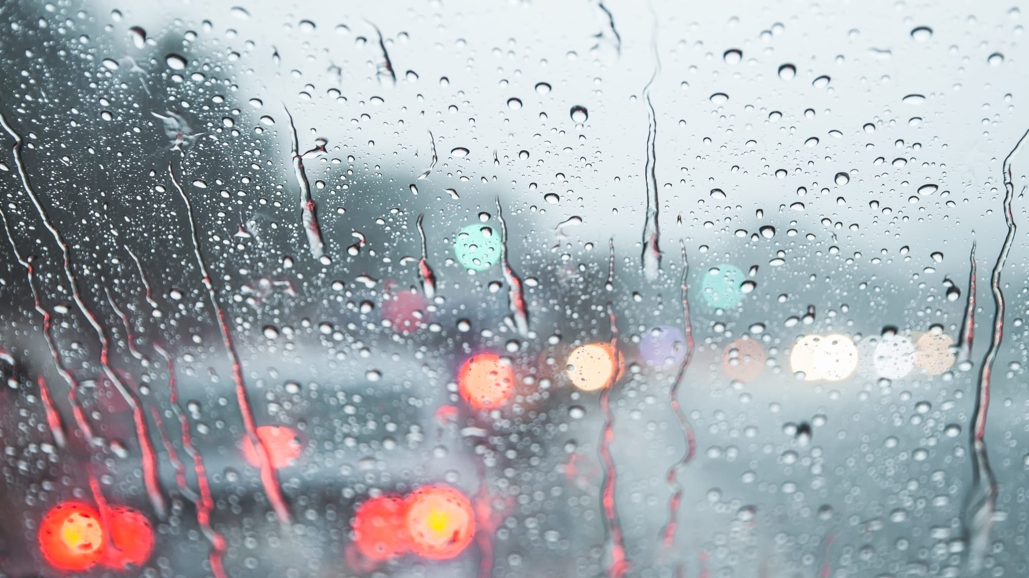 Feuchtigkeit im Auto: 6 Tipps, die helfen | ADAC